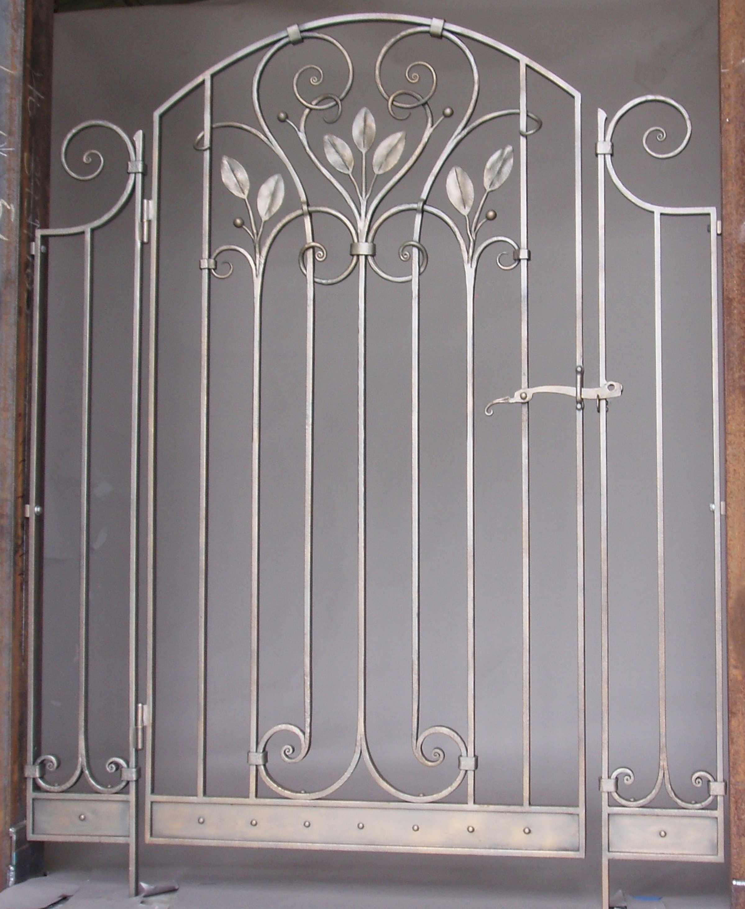 gates-doors-leaf2