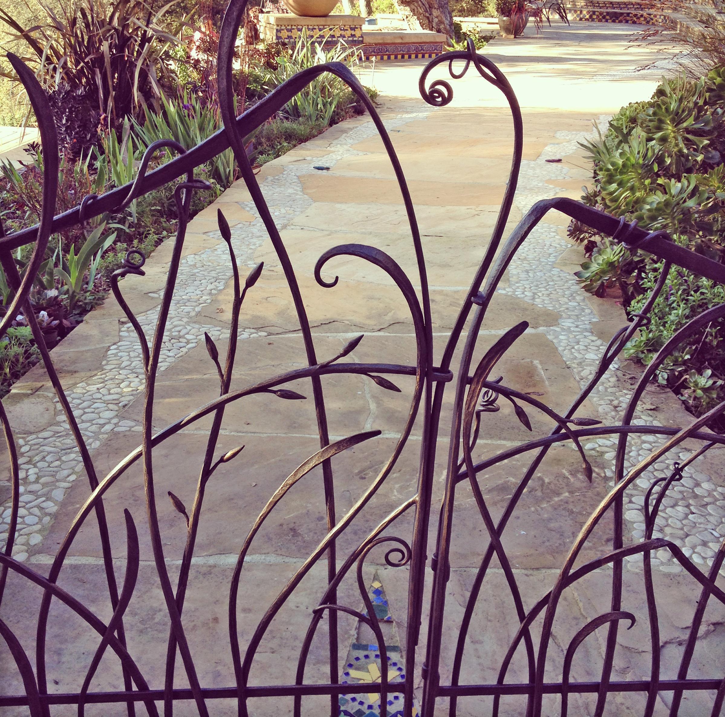 gates-doors-wind22x
